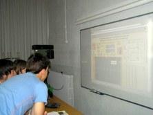 Alumnes de secundària experimenten iLabRS